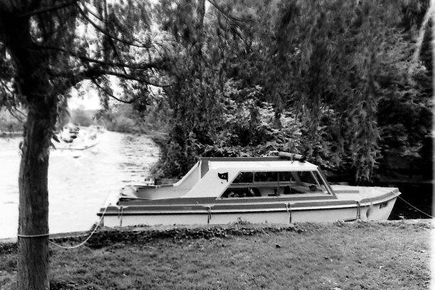 nov24BHhireboat