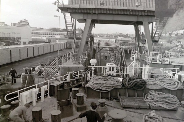 Nov8christboat2